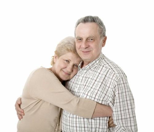Ăn uống hợp lý giúp người già hạn chế hiện tượng cao huyết áp