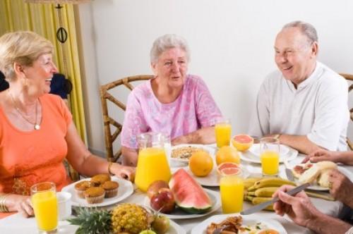 Muối ăn với sức khỏe người cao tuổi