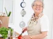 Rau ngót – Loại cực tốt cho sức khỏe những người già