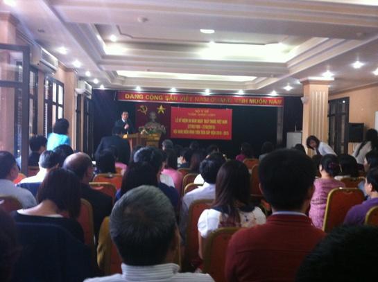 Viện Dược liệu tổ chức Lễ kỷ niệm 60 năm Ngày Thầy thuốc Việt Nam và Hội nghị Tổng kết điển hình tiên tiến 5 năm (2010-2015)