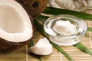 Hướng dẫn cách ủ tóc mọc nhanh dài bằng dầu dừa