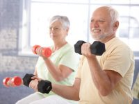 Khi bị bệnh thoái hóa khớp có thể chơi thể thao được không?