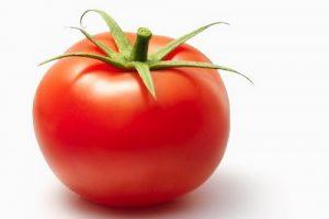 3 cách làm mặt nạ trắng da bằng cà chua