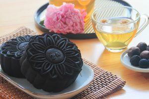 Bánh trung thu tỏi đen