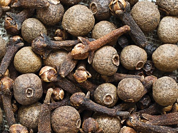 Đinh hương có tác dụng giúp tăng ham muốn tình dục