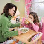 Dinh dưỡng cho trẻ khi bị ốm mẹ cần biết