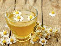 Tăng cường độ ẩm cho da bằng trà thảo mộc
