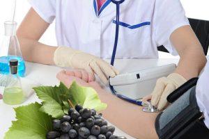 Điều trị bệnh cao huyết áp bằng nho