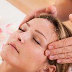 Châm cứu bấm huyệt có tác dụng như thế nào khi chữa mất ngủ?