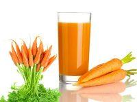 Điều trị mụn trứng cá bằng sinh tố cà rốt