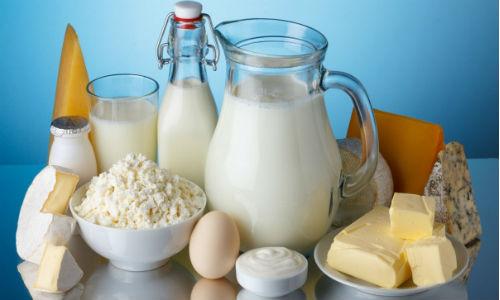 Bà bầu không nên ăn pho mát chế biến từ sữa chưa tiệt trùng