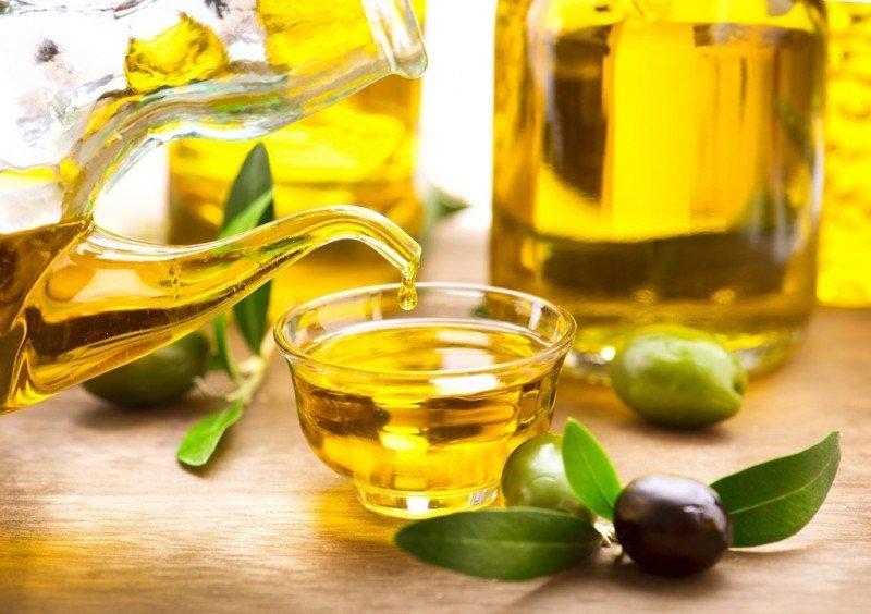 Dầu oliu có tác dụng tích cực giúp chăm sóc da